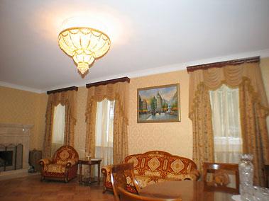 Натяжные потолки в квартире. Производство.